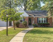 38 Villawood, Webster Groves image