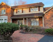 4748 S Knoll, West Bloomfield Twp image