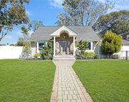 1008 Woodcliff Dr, Franklin Square image
