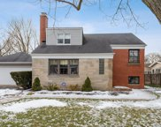 936 Echo Lane, Glenview image