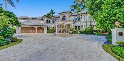 2672 Riviera Manor, Weston