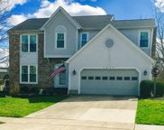 2637 Hoover Crossing Court, Grove City image