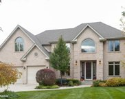 2083 Laurel Valley Drive, Vernon Hills image