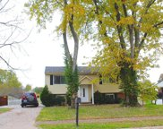 7015 Apple Orchard, Crestwood image