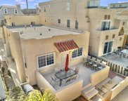 723 & 723 1/2 Jamaica Ct, Pacific Beach/Mission Beach image