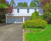 44 Roseanne  Drive, Woodbury image