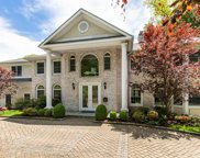 124 Lakeshore  Drive, Eastchester image