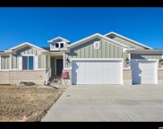 2417 N Hooded Crane Cir, Clinton image