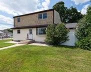 820 Catskill  Avenue, Lindenhurst image