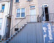 605 S 10th St, Reading image