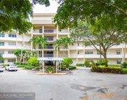 3800 Oaks Clubhouse Dr Unit 209, Pompano Beach image