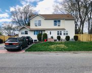 9 Deepdale  Drive, Brentwood image