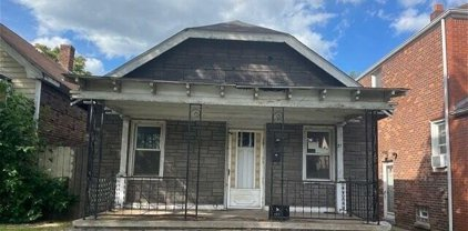 27 ORCHARD, River Rouge