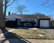 3590 Bunker  Avenue, Wantagh image