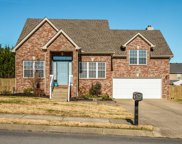 1303 Chapmans Retreat Dr, Spring Hill image