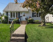 61 BROMLEY PL, Bloomfield Twp. image