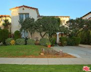 426 BEDFORD Drive, Beverly Hills image