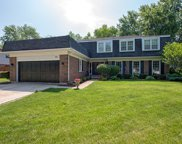 571 Prince Edward Road, Glen Ellyn image