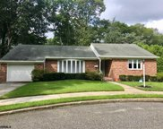 208 Woodcrest Ct, Absecon image