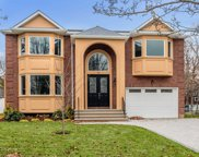 15 Harding Ave, Roslyn Heights image