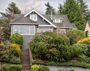 5333 SW Admiral Wy, Seattle image