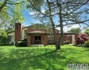 228 Estates Ter, Manhasset image