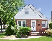 918 New Hyde Park Rd, New Hyde Park image
