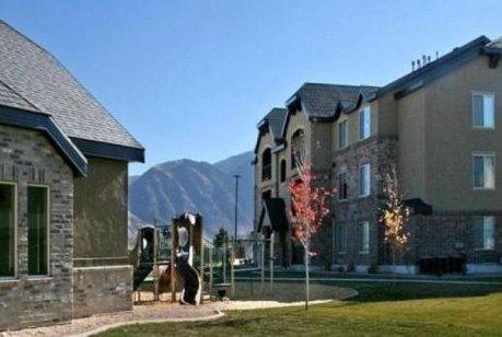 Ridgestone condos in Payson Utah
