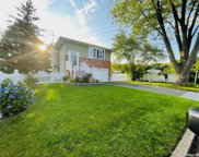 31 Cather  Avenue, Dix Hills image