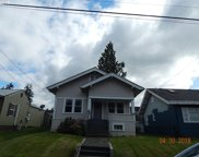 645 E 2ND, Coquille image