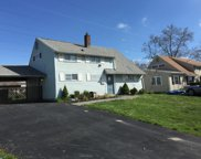 51 Iroquois Road, Levittown image