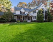 8 Green Acre Ln, Northport image