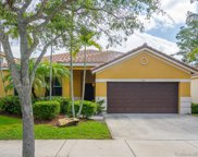 742 Tulip Cir, Weston image