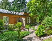 5755 Seaview Place, West Vancouver image