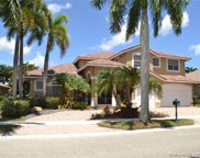 2531 Montclaire Cir, Weston image