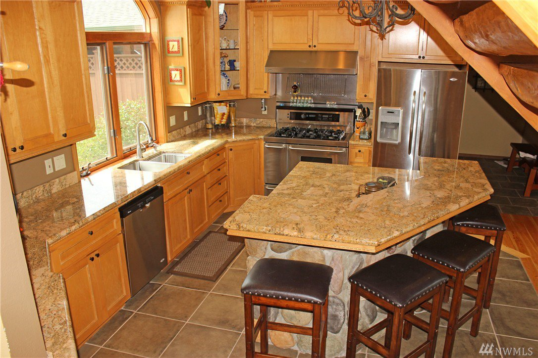 cabinets in kitchen 13149 independence rd sw rochester wa independence 13149