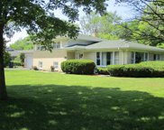 910 Kings Lane, Glenview image