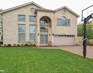 2529 Victor Avenue, Glenview image