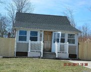 148 Bayview Dr, Mastic Beach image