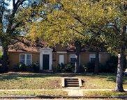 803 S Edgefield Avenue, Dallas image