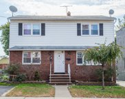 327 DELAWANNA AVE, Clifton City image