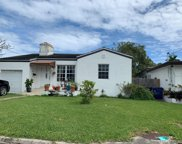 8835 Byron Ave, Surfside image