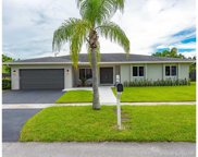 16631 Waters Edge Dr, Weston image