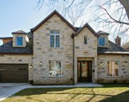 6839 North Cherry Lane, Lincolnwood image