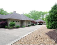 35 Chesterfield Lakes, Chesterfield image
