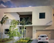 10128 Nw 74th Ter, Doral image