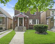 8718 South Paxton Avenue, Chicago image