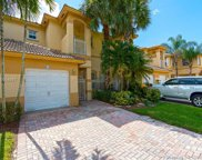 818 Nw 170th Ter, Pembroke Pines image