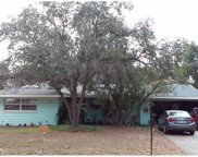 592 W Lakeshore Drive, Clermont image