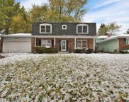 6230 Stonewall Avenue, Downers Grove image